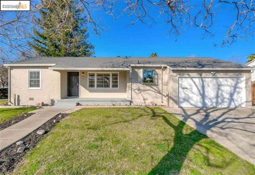 Photo of 21 Russell Dr, ANTIOCH, CA 94509 (MLS # 40895775)