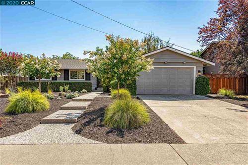 Photo of 433 Candleberry Road, WALNUT CREEK, CA 94598 (MLS # 40913775)