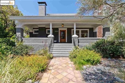 Photo of 3851 Lakeshore Ave, OAKLAND, CA 94610 (MLS # 40915775)