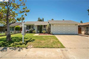 Photo of 3208 San Andreas Dr, UNION CITY, CA 94587 (MLS # 40869778)