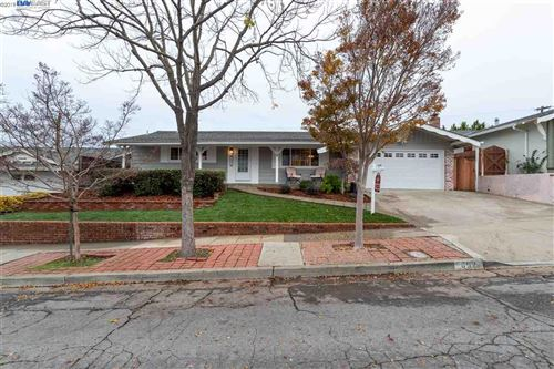 Photo of 652 Chevy Chase Way, HAYWARD, CA 94544 (MLS # 40890778)