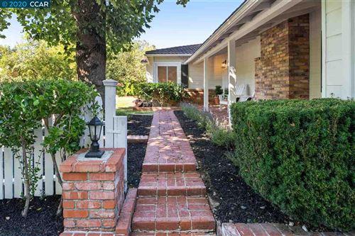 Photo of 356 Glorietta, ORINDA, CA 94563-3243 (MLS # 40915778)
