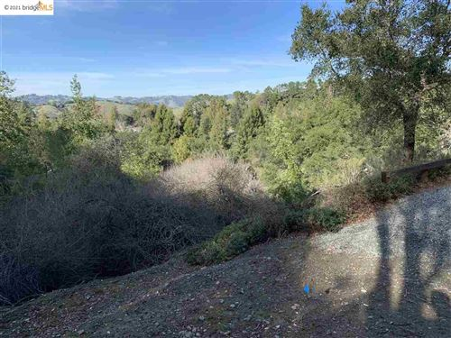 Photo of 108 Kristin Lane, ORINDA, CA 94563 (MLS # 40938782)