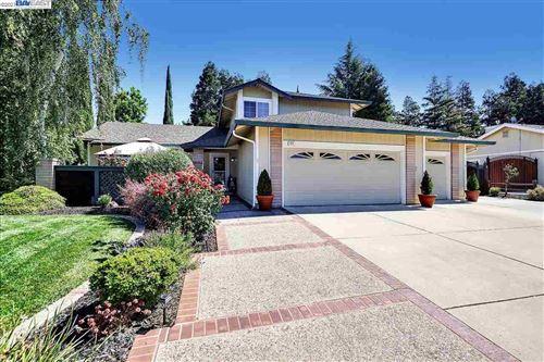 Photo of 420 Jeannie Way, LIVERMORE, CA 94550 (MLS # 40947782)