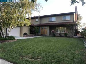 Photo of 729 Navaronne Way, CONCORD, CA 94518 (MLS # 40822783)
