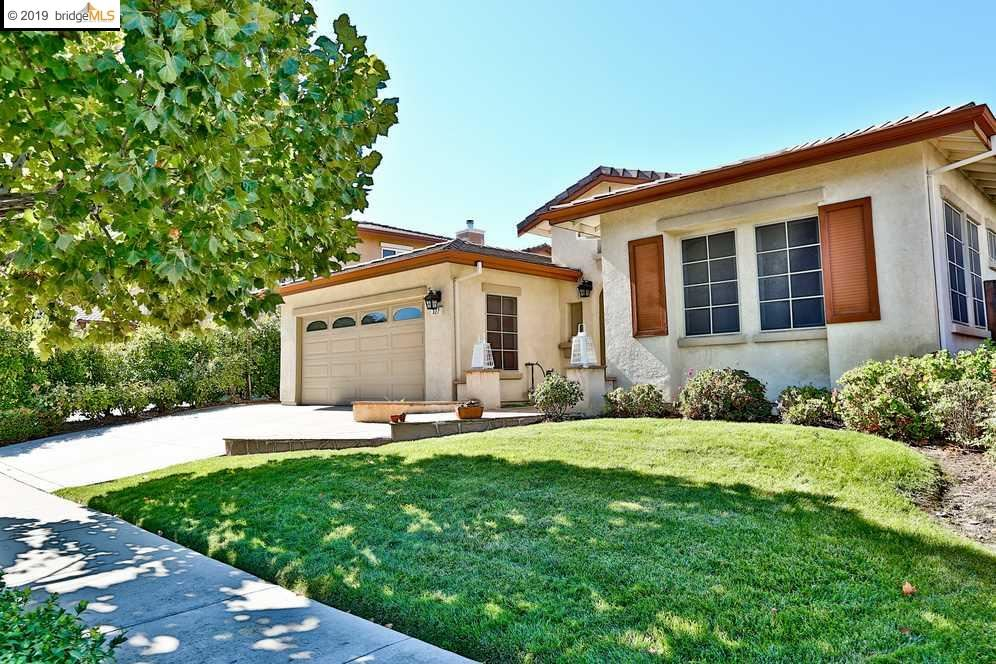 Photo for 327 Foothill Dr, BRENTWOOD, CA 94513 (MLS # 40884783)