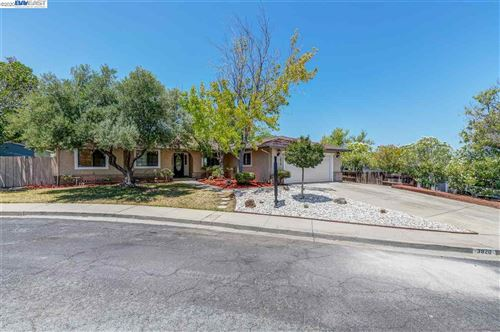 Photo of 3820 Canterberry Pl, PITTSBURG, CA 94565 (MLS # 40910785)