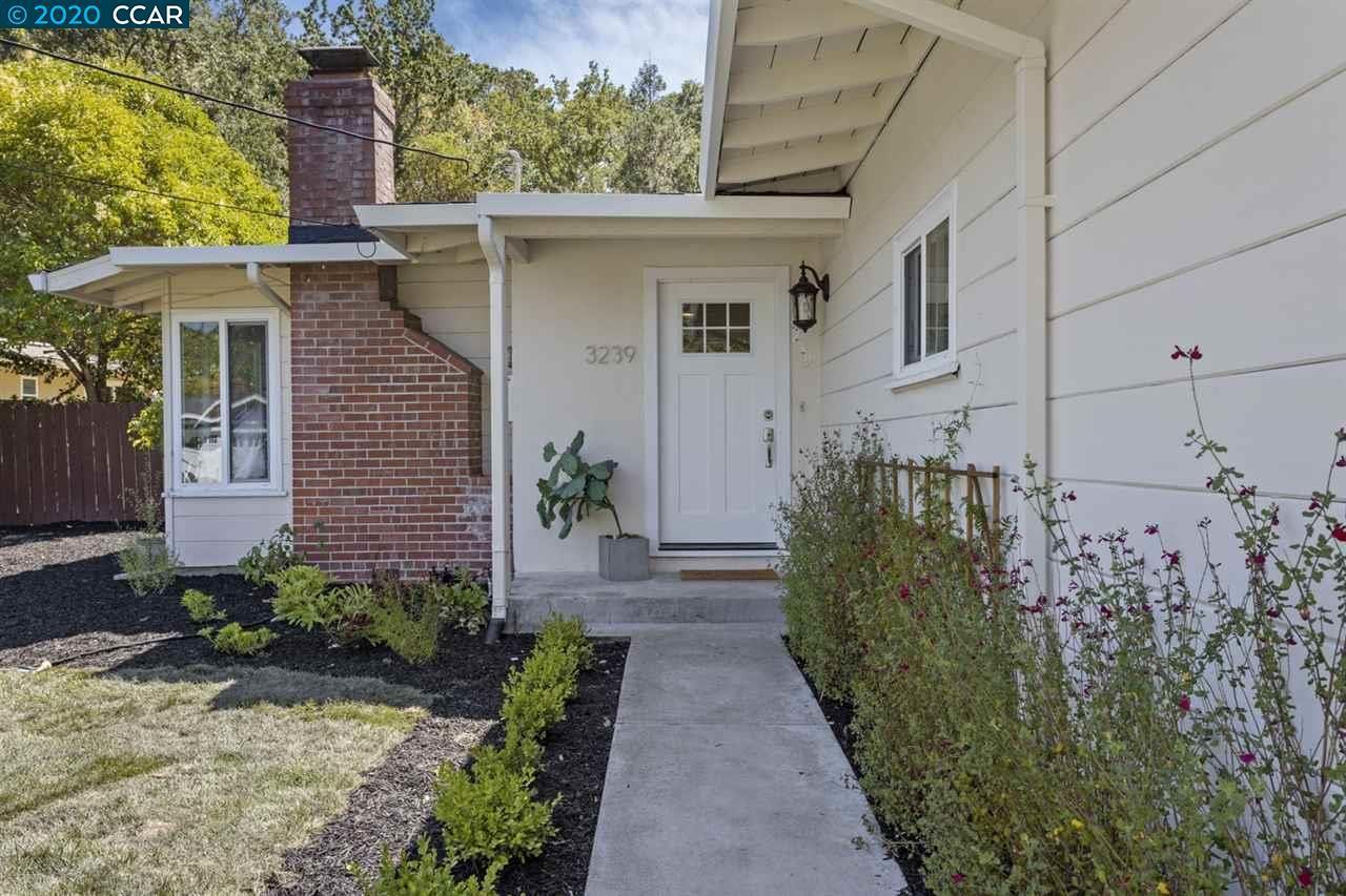 Photo of 3239 Sweet Drive, LAFAYETTE, CA 94549 (MLS # 40914785)