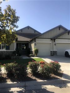 Photo of 1045 Clear Lake Dr, OAKLEY, CA 94561 (MLS # 40885787)