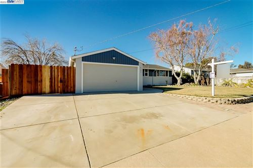 Photo of 3109 Fitzpatrick Dr, CONCORD, CA 94519 (MLS # 40933789)