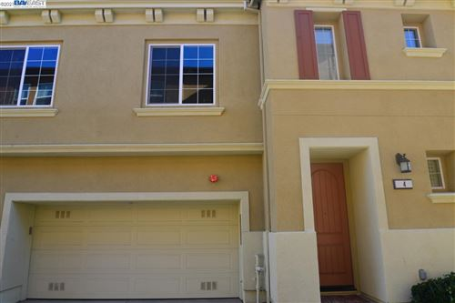 Photo of 557 Selby Ln #4, LIVERMORE, CA 94551 (MLS # 40934789)