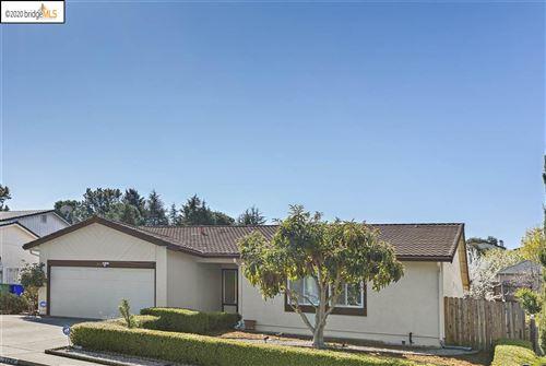 Photo of 2126 Lupine Road, HERCULES, CA 94547 (MLS # 40896790)