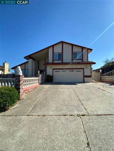 Photo of 313 Violet Rd, HERCULES, CA 94547 (MLS # 40907790)