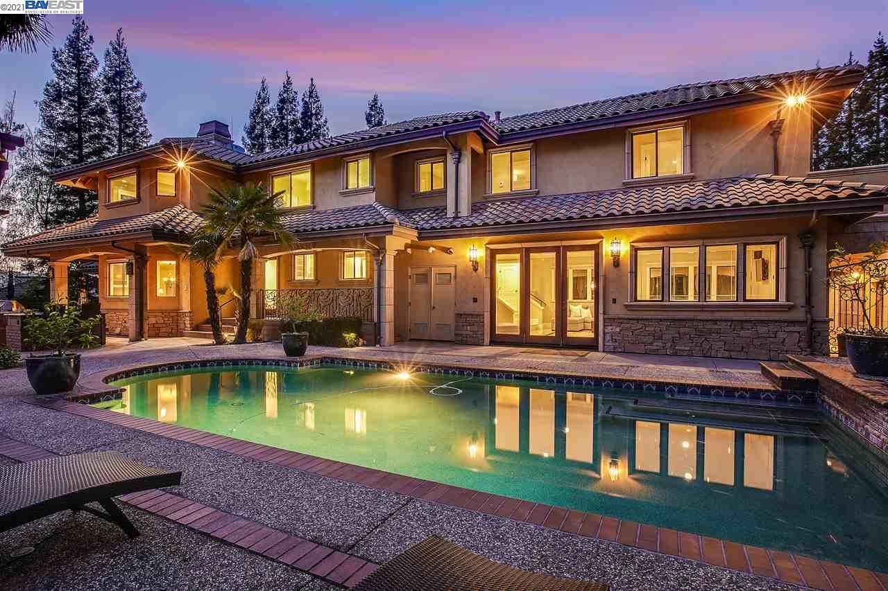 Photo of 216 Red Pine Court, DANVILLE, CA 94506 (MLS # 40946790)