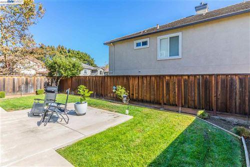 Tiny photo for 109 St Pierre Way, MARTINEZ, CA 94553 (MLS # 40925791)
