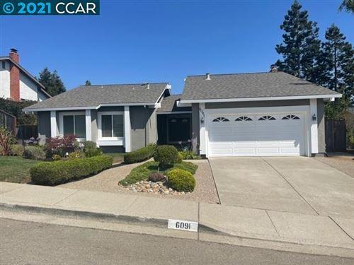 Photo of 6091 Skyfarm Drive, CASTRO VALLEY, CA 94552 (MLS # 40966791)