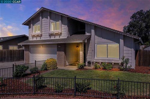 Photo of 607 Kingswood Ct, FAIRFIELD, CA 94534 (MLS # 40911792)