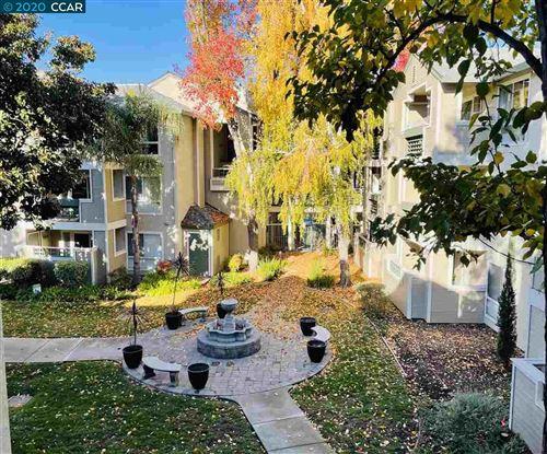 Photo of 2550 Oak Rd #309, WALNUT CREEK, CA 94597 (MLS # 40930793)