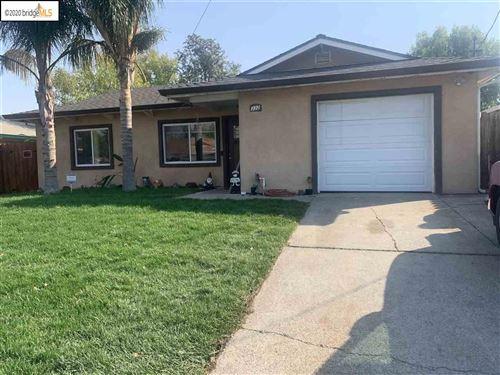 Photo of 332 Burbank Rd, ANTIOCH, CA 94509 (MLS # 40919794)
