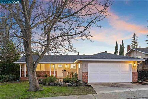 Photo of 201 Donegal Way, MARTINEZ, CA 94553 (MLS # 40894795)