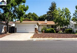 Photo of 986 Sunset Dr, LIVERMORE, CA 94551 (MLS # 40870796)