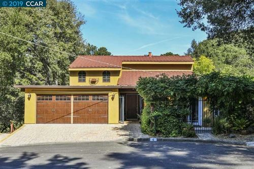 Photo of 6 Arbolado Ct, ORINDA, CA 94563 (MLS # 40885796)