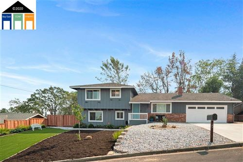Photo of 29 Valley Ct, PLEASANT HILL, CA 94523 (MLS # 40921799)