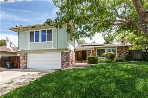 Photo of 830 Sylvaner Dr, PLEASANTON, CA 94566 (MLS # 40916801)