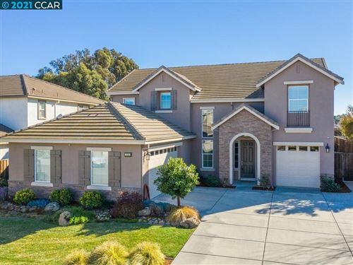 Photo of 124 Little Ranch Cir, OAKLEY, CA 94561 (MLS # 40938802)