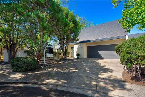 Photo of 621 Greystone Terrace, ORINDA, CA 94563 (MLS # 40959803)
