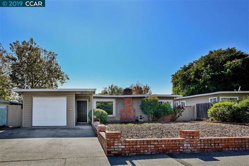 Photo of 2068 Highland Dr, CONCORD, CA 94520 (MLS # 40885805)