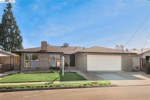 Photo of 24643 Woodacre Ave, HAYWARD, CA 94544 (MLS # 40910805)