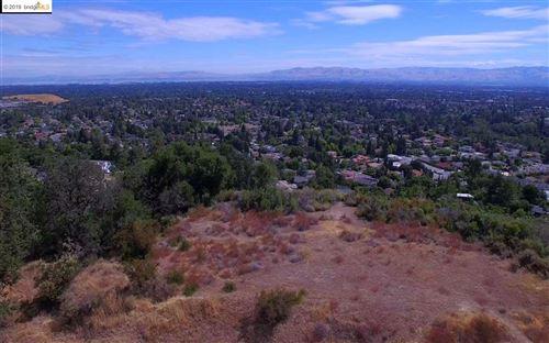 Photo of 22700 San Juan Rd, CUPERTINO, CA 95014 (MLS # 40851807)