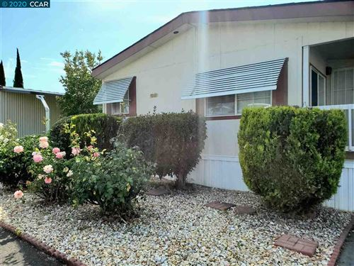 Photo of 34 Surf Dr, PITTSBURG, CA 94565 (MLS # 40903807)