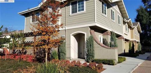 Photo of 20026 San Miguel Ave, CASTRO VALLEY, CA 94546 (MLS # 40911810)
