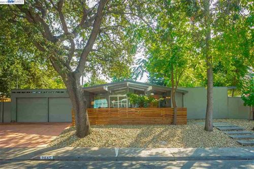 Photo of 2645 San Benito Dr, WALNUT CREEK, CA 94598 (MLS # 40885812)