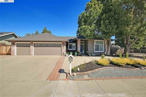 Photo of 3231 Montevideo Dr, SAN RAMON, CA 94583 (MLS # 40896813)