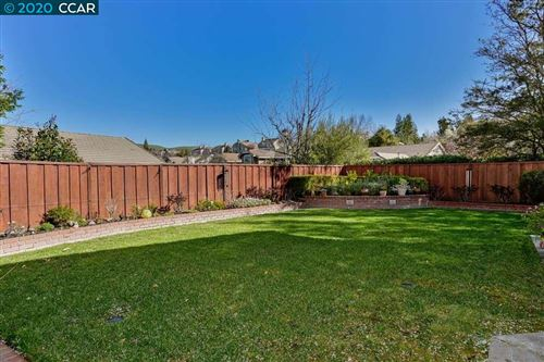 Tiny photo for 683 Dunhill Dr, DANVILLE, CA 94506 (MLS # 40896814)