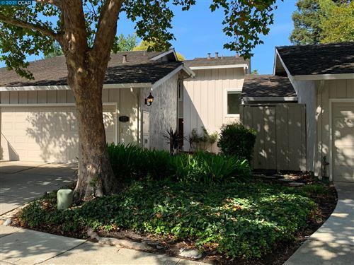 Photo of 206 Powhattan Ct, DANVILLE, CA 94526 (MLS # 40966814)