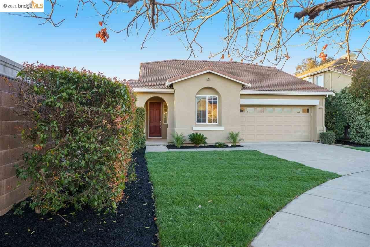 Photo for 2262 Montecito Ct, BRENTWOOD, CA 94513 (MLS # 40938817)