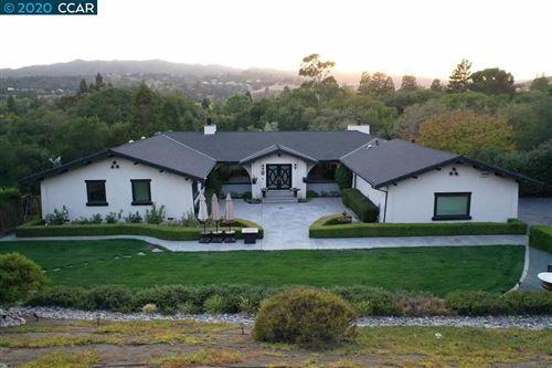 Photo of 10 Pillon Real, PLEASANT HILL, CA 94523 (MLS # 40926818)
