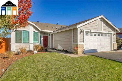 Photo of 1276 Walnut Meadows Dr, OAKLEY, CA 94561 (MLS # 40930820)