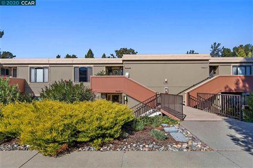 Photo of 2000 Oakmont Way #4, WALNUT CREEK, CA 94595-2435 (MLS # 40926822)