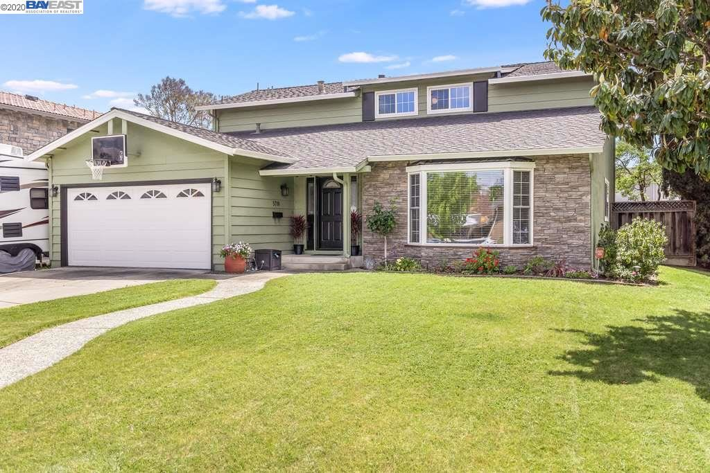 Photo for 5718 Goldfield Dr, SAN JOSE, CA 95123 (MLS # 40905822)