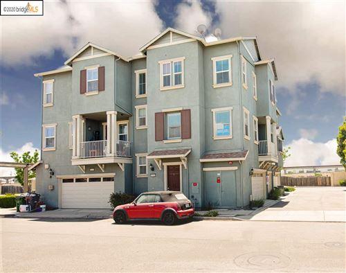 Photo of 9461 Dunbar Dr, OAKLAND, CA 94603 (MLS # 40910824)