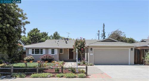 Photo of 1832 Appletree Ln, MOUNTAIN VIEW, CA 94040 (MLS # 40921825)