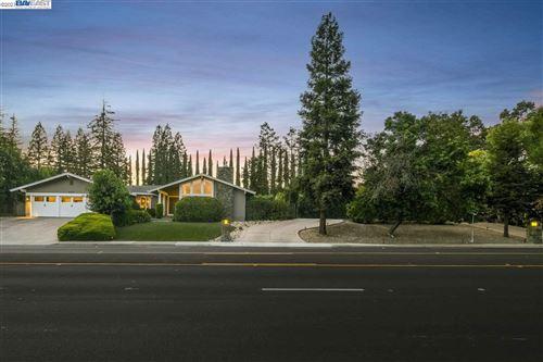 Photo of 854 Diablo Rd, DANVILLE, CA 94526 (MLS # 40955825)