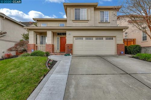 Photo of 121 Woodcrest Dr, SAN RAMON, CA 94583 (MLS # 40892829)