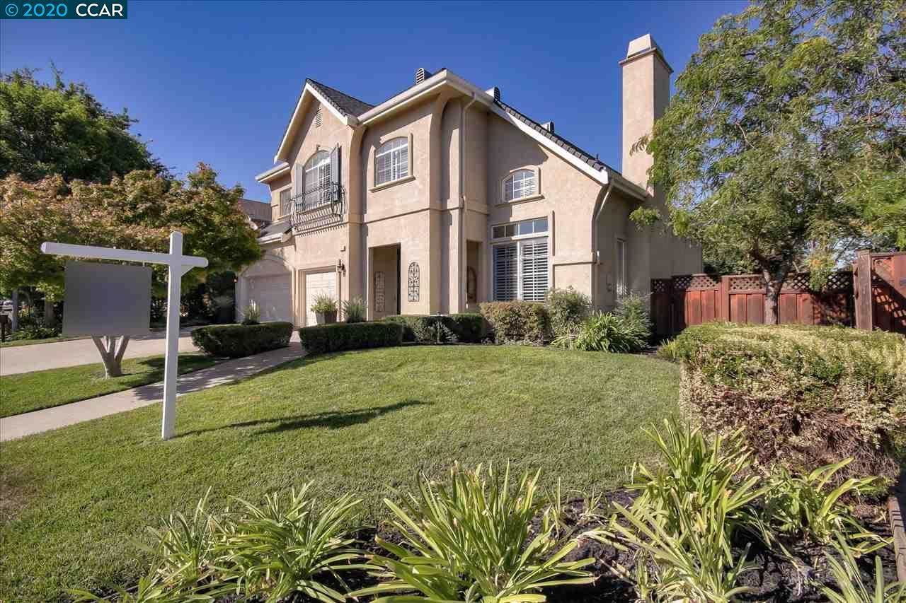 Photo for 1117 Riesling Cir, LIVERMORE, CA 94550 (MLS # 40921829)