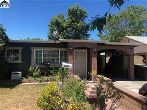 Photo of 1025 Hayes St, FAIRFIELD, CA 94533 (MLS # 40875830)